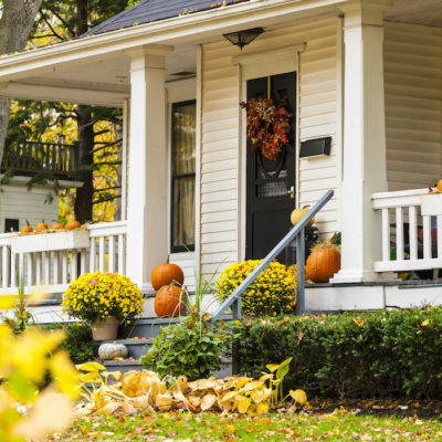 5 Ways to keep up your home's curb appeal… even in the Winter!