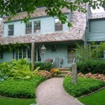 Guest Blogger: How to Stage your Home with Resort-Style Curb Appeal