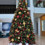 Guest Blogger: How to Creatively Decorate Your Office for the Holidays