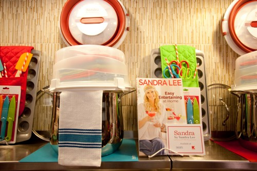 Sandra Lee cookbook and housewares