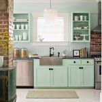 Guest Blogger: How to Choose Painting vs. Staining Kitchen Cabinets