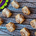 Sunday Brunch Twist on a Classic – Bite-Sized Vegan Cinnamon Rolls