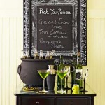 Creating Spooky Halloween Chalkboard Sign Crafts