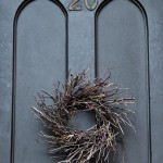 Rustic Holiday Front Door Wreaths to Welcome your Guests