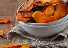 Delicious 100 Calorie Snack: Baked Sweet Potato Chips Recipe