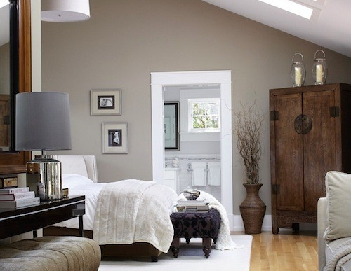 Guest Blogger: Outfitting your Bedroom in Gorgeous Oak Wood
