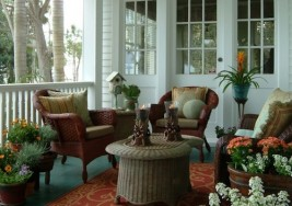 How to Paint Your Front Porch for the Warm Seasons