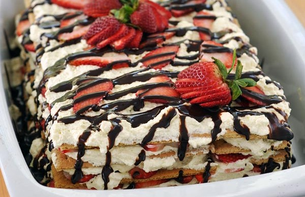 Summer No-Bake Strawberry Icebox Cake Recipe