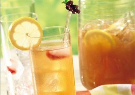 4th of July Lemonade Iced Tea Recipe