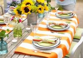 How to Set the Perfect Summer Dining Table