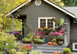 Creating a Gorgeous Outdoor Home with Summer Curb Appeal