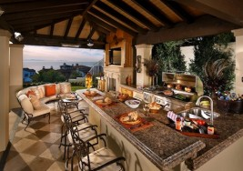 How to Design the Perfect Outdoor Summer Kitchen