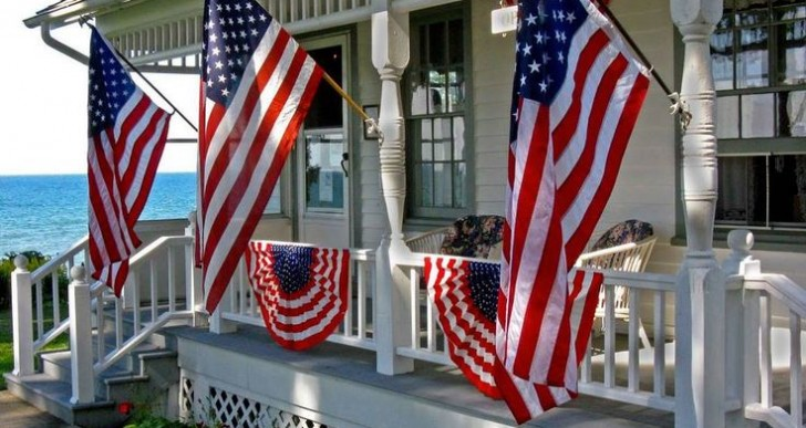 How to Add Patriotic Red, White and Blue to your Front Yard