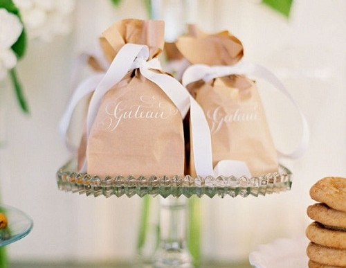 Easy & Simple Fall Wedding Favor Ideas