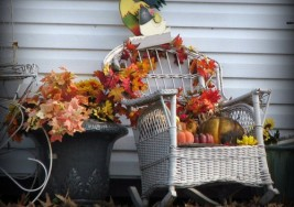 Simple Tips to Bring Autumn to your Front Door this Season