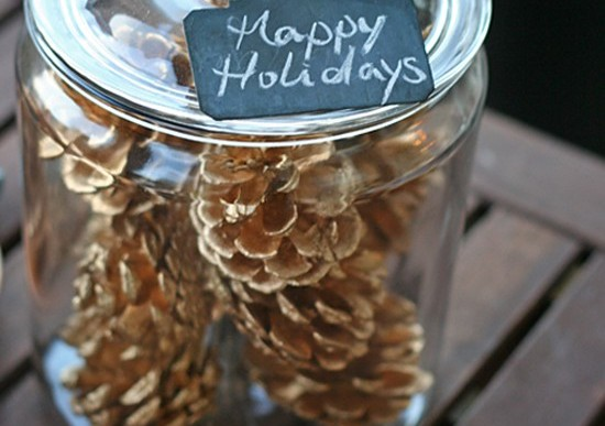 DIY Holiday Pinecone Air Fresheners & Decor