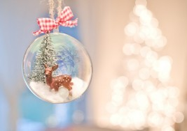 How to Make DIY Re-Purposed Snow Globe Ornaments