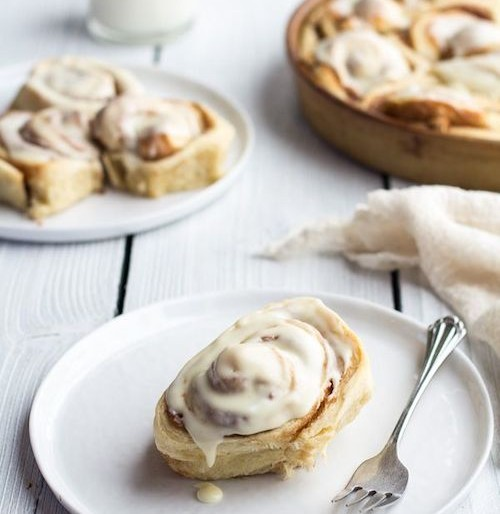 Cinnamon Roll Recipe: Holiday Breakfast Idea
