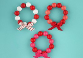 DIY Holiday Kids' Crafts: Gum Ball Bracelet