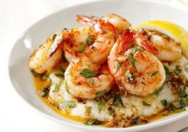 Holiday Brunch Idea: One-Pot Shrimp and Grits Recipe