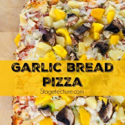 Super Bowl Food: Easy Chicken Parmesan Garlic Bread Pizza Recipe