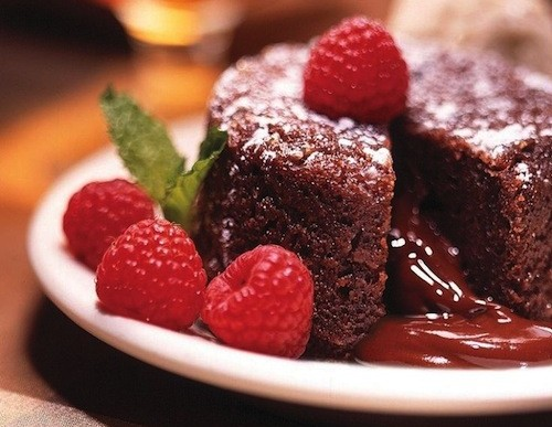 Valentine's Day Dessert: Molten Chocolate Raspberry Cake Recipe