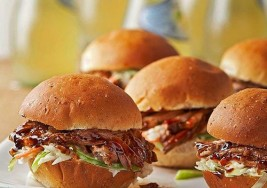 Ultimate Slow Cooker Meal: Pulled Pork Sliders Recipe