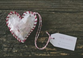Valentine's Day Gifts: Homemade Heart Teabags and Sugar Cubes