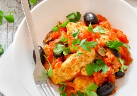 Slow Cooker Meal: Chicken with Olives and Roasted Tomato Recipe