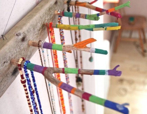 DIY Craft: How to Make a Twig Jewelry Holder