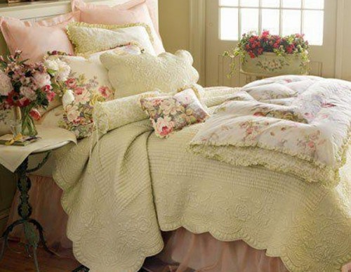 Valentines Day Decor: Creating a Romantic Bedroom