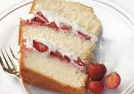 Spring Dessert: Chiffon Cake with Strawberries and Cream Recipe