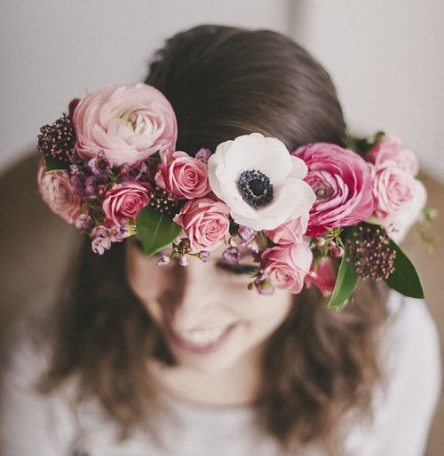 Easy DIY Wedding Ideas: Summer Floral Crowns