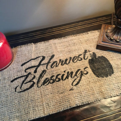 Thanksgiving DIY: How to Make Beautiful Burlap Placemats