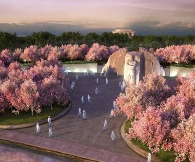 A Closer Look at the Monumental 30′ Tall MLK Statue – Washington D.C.
