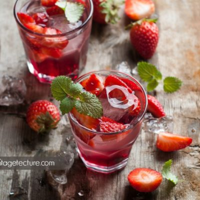 How to Make a Delicious Berry Red Sangria Recipe