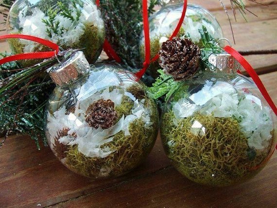 christmas-ornaments-party-green
