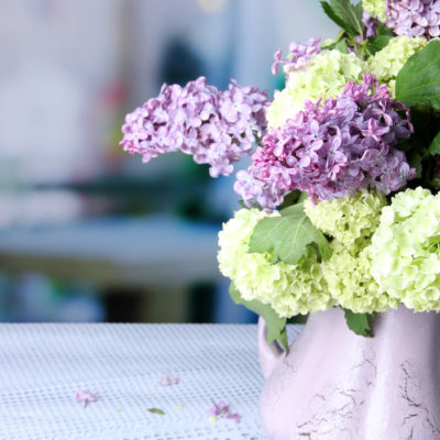 How to Save Money on Wedding Flowers