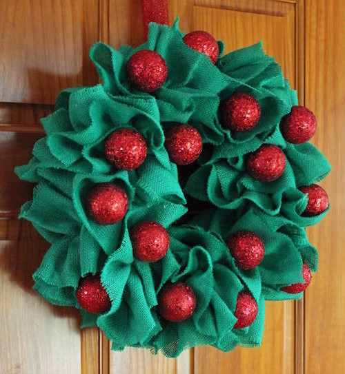 Reinventing the Wreath: A Charming Country Decoration to Hang Indoors