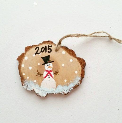 Christmas Craft: 3 DIY Wood Slice Ornaments